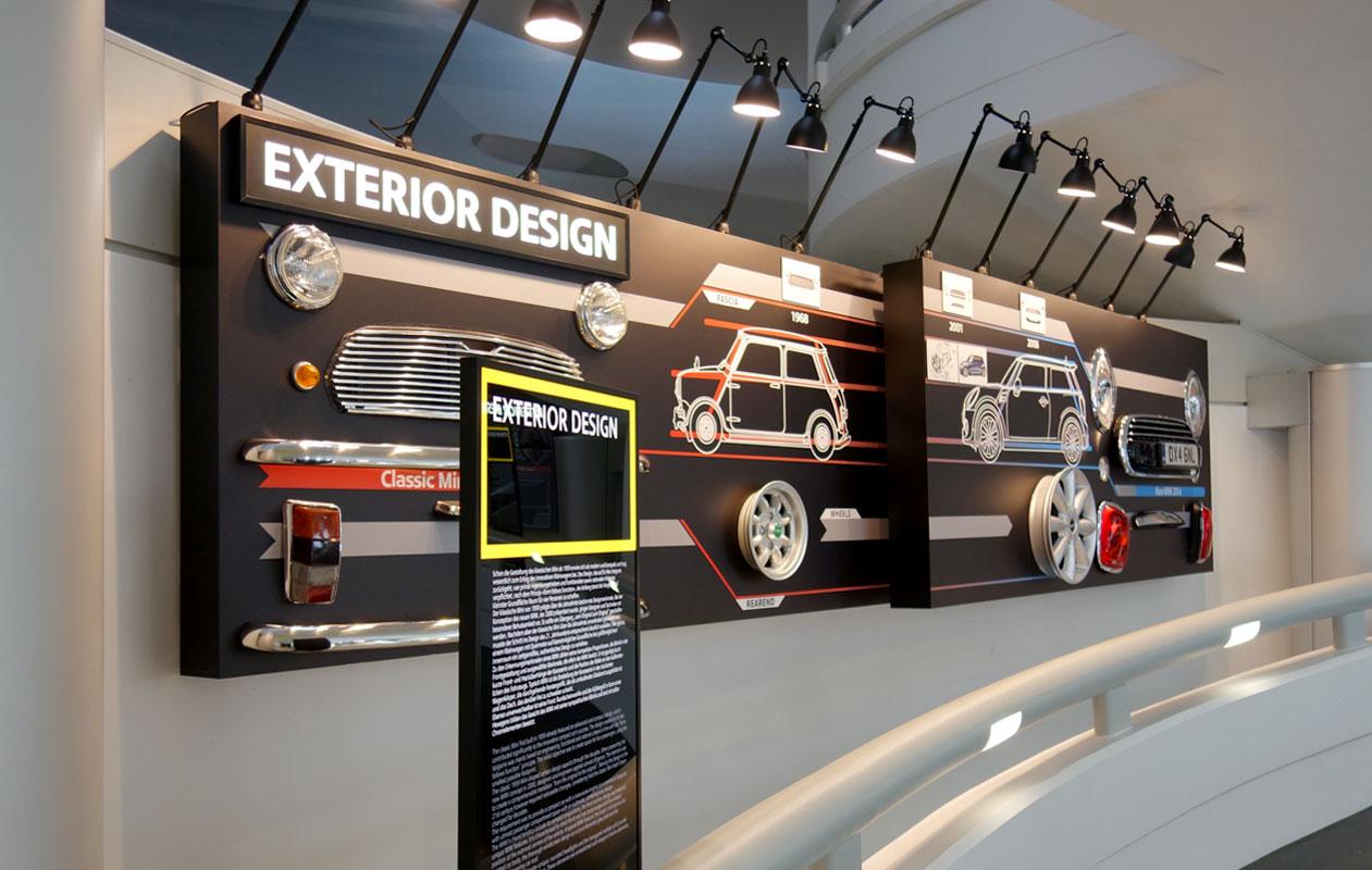 Lightpanel original-LED-Leuchtstelen mit schwarzem Rahmen, pulverbeschichtet, mit auswechselbarem Foliendruck von axis in Nürnberg
