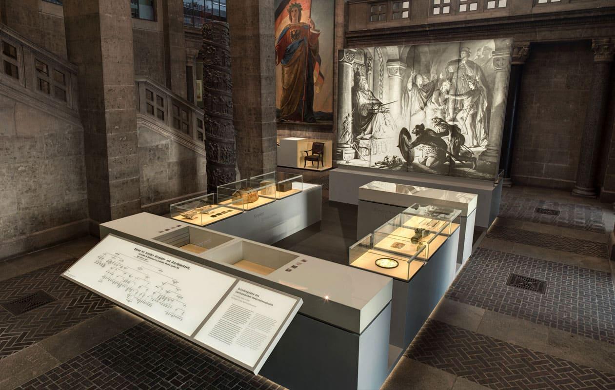 Hinterleuchtung eines heute zerstörten Gemäldes durch Lichtpanel frameless im Germanischen Nationalmuseum Nürnberg. Foto: GNM, Dirk Meßberger
