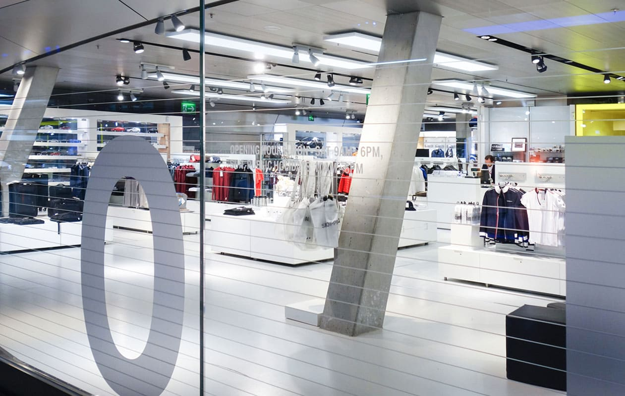 LED-Flächenlichter als Deckenbeleuchtung aus Lightpanels frameless mit Glasöberfläch der Marke Designpanel