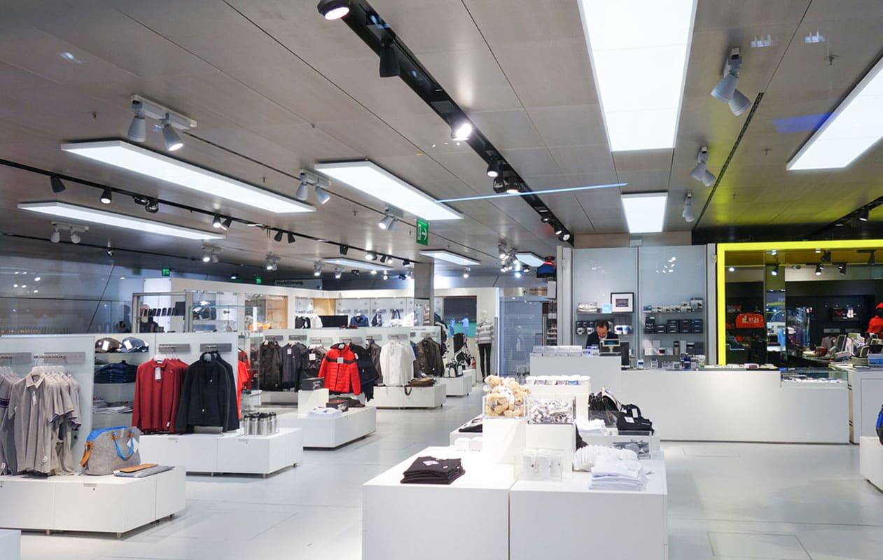 LED-Flächenlichter als Deckenbeleuchtung aus Lightpanels cover der Marke Designpanel.